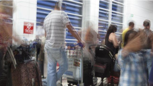 очередь на регистрацию в аэропорту Анталии