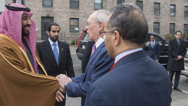 マヘル・ムトレブ氏とみられる男は、今年3月にムハンマド・ビン・サルマン皇太子が米マサチューセッツ工科大学を訪問した際の写真右端に確認できる