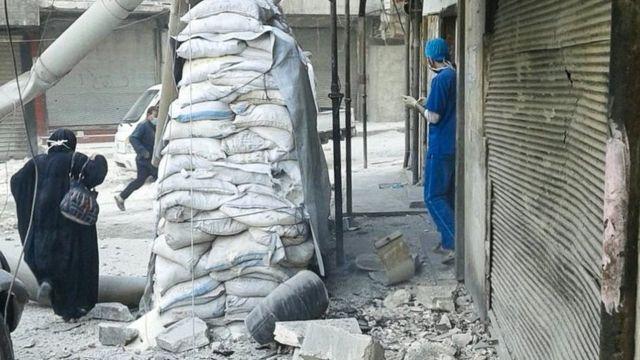 砲撃されたバヤン小児病院。写真は16日、「独立医師連合」(IDA)が投稿。