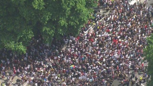 มีการชุมนุมประท้วงในย่านไวท์ฮอลล์ของกรุงลอนดอนวานนี้ เพื่อเรียกร้องให้นายกรัฐมนตรีลาออก