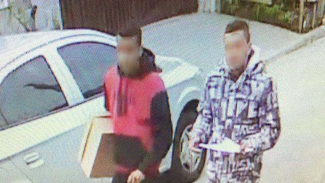 Images dos suspeitos gravadas por câmeras de segurança