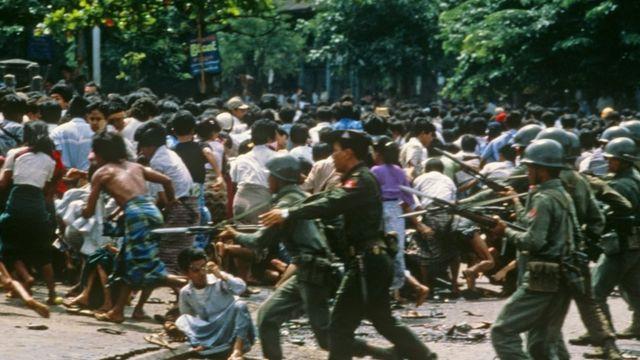 Military crackdown in Yangon 1988