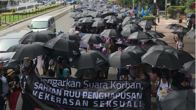 Pawai akbar anti kekerasan terhadap perempuan