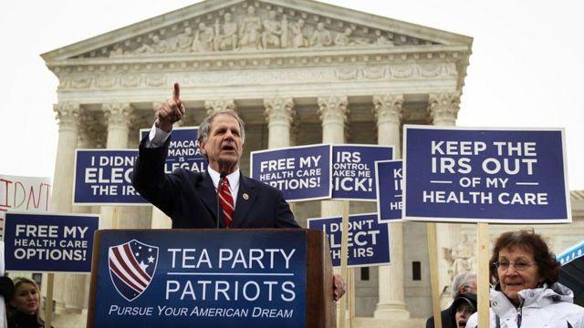Congresista republicano Ted Poe durante una protesta contra el Obamacare en 2015.