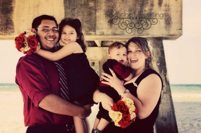 Manny and DeAnna Rivas com os filhos em 2013