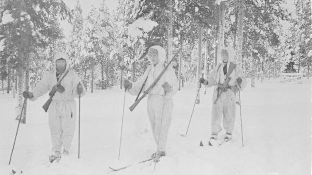 Patrulha de esquiadores