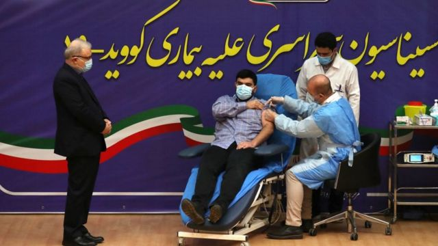 İran, Sputnik V ile aşılama programını Sağlık Bakanı Saeed Namaki'nin oğluna yapılan aşıyla başlattı.