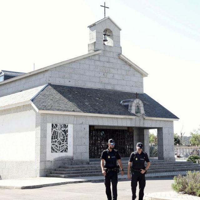 Está previsto que los restos de Franco sean albergados en esta capilla en el cementerio de El Pardo, en Madrid.