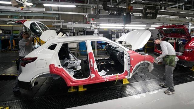 Fábrica de autos en Reino Unido.