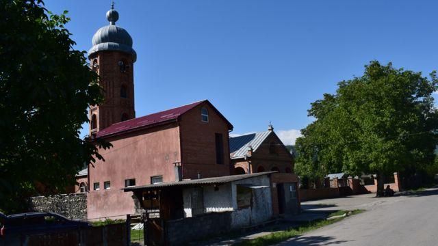 Мечеть в Биркиани