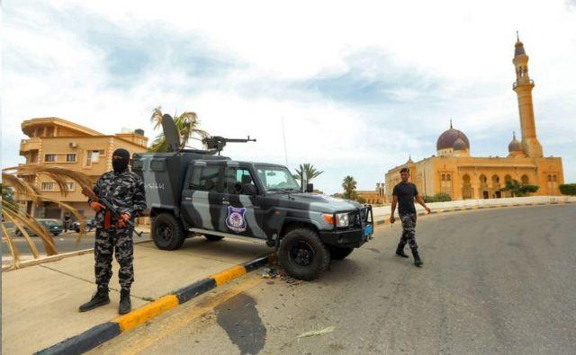 Ένα σημείο ελέγχου στην πόλη δημιουργήθηκε μετά την απέλαση της οικογένειας των Αλκανίων και του στρατηγού Haftar τον Ιούνιο του 2020