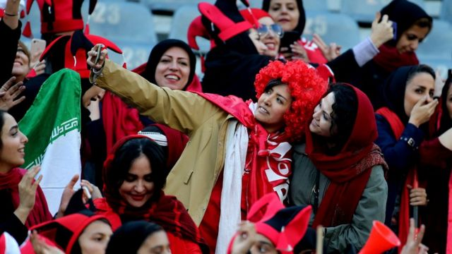 هواداران زن فوتبال