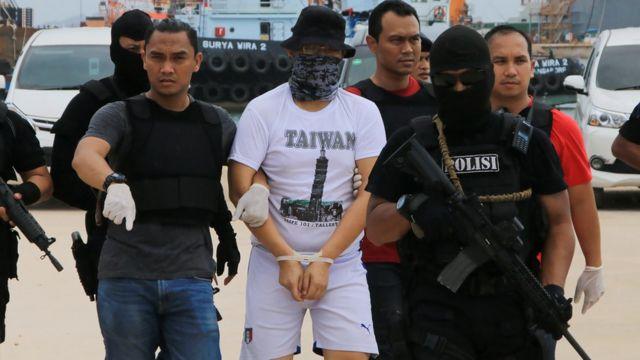 Penangkapan tersangka kasus pengiriman 1 ton sabu asal Taiwan ke Anyer, Banten, 16 Juli 2017.