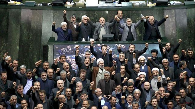 Iranian MPs stand and chant 'death to America'