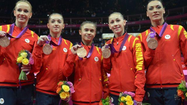 Com Ponor (à direita), a Romênia foi bronze por equipes nos Jogos de Londres
