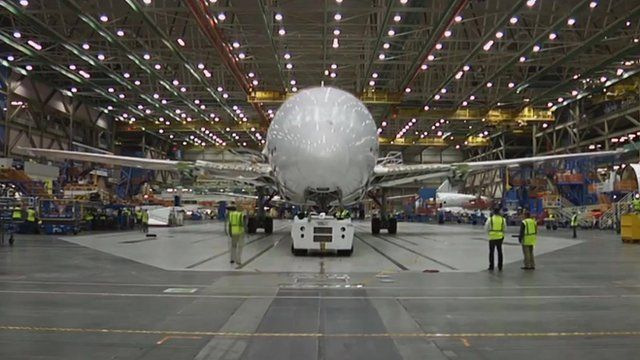 Time-lapse film shows how a Boeing Dreamliner is built
