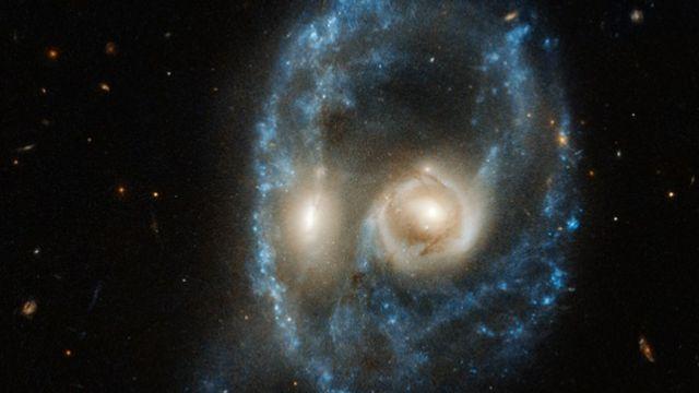 กาแล็กซีหน้าผี
