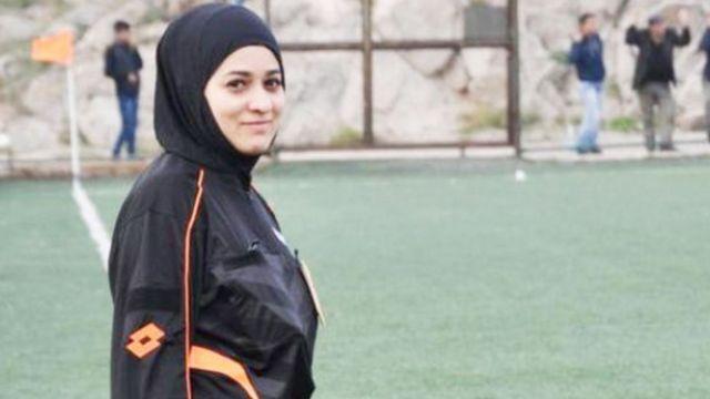 Türkiye'nin ilk başörtülü hakemi Buhra Yurdakul