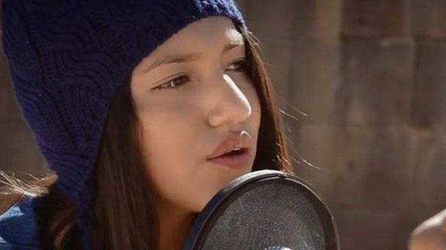 Renata Flores sings a Michael Jackson song in Quechua