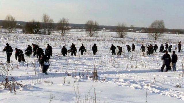 ปฏิบัติการค้นหาเป็นไปอย่างยากลำบากจากหิมะหนาบริเวณจุดเกิดเหตุ