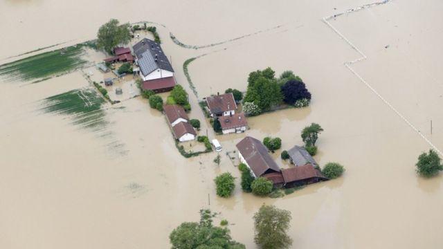 ドイツでは大雨で少なくとも9人の死者が出ている