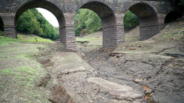 Yarrow Reservoir, gần Bolton