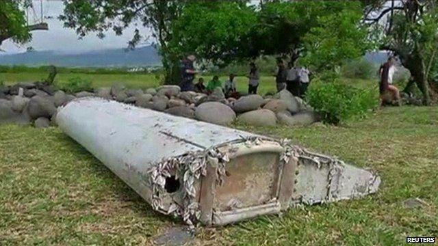 Unidentified wreckage found on Reunion