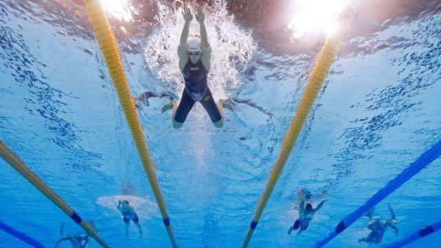 Katinka Hosszu en la final de los 400 metros combinados de Río 2016.