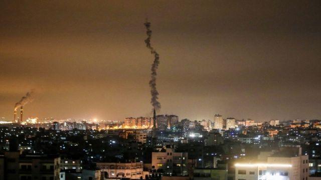 صاروخ ينطلق من غزة