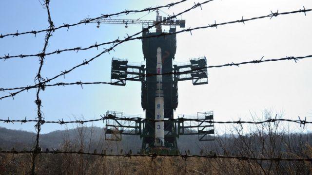 北朝鮮北西部にある「西海衛星発射場」(2012年4月撮影)
