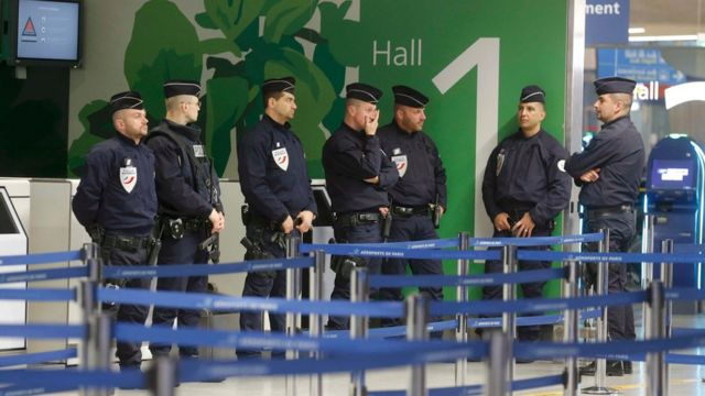 Police at Paris Charles de Gaulle airport on 19 May 2016