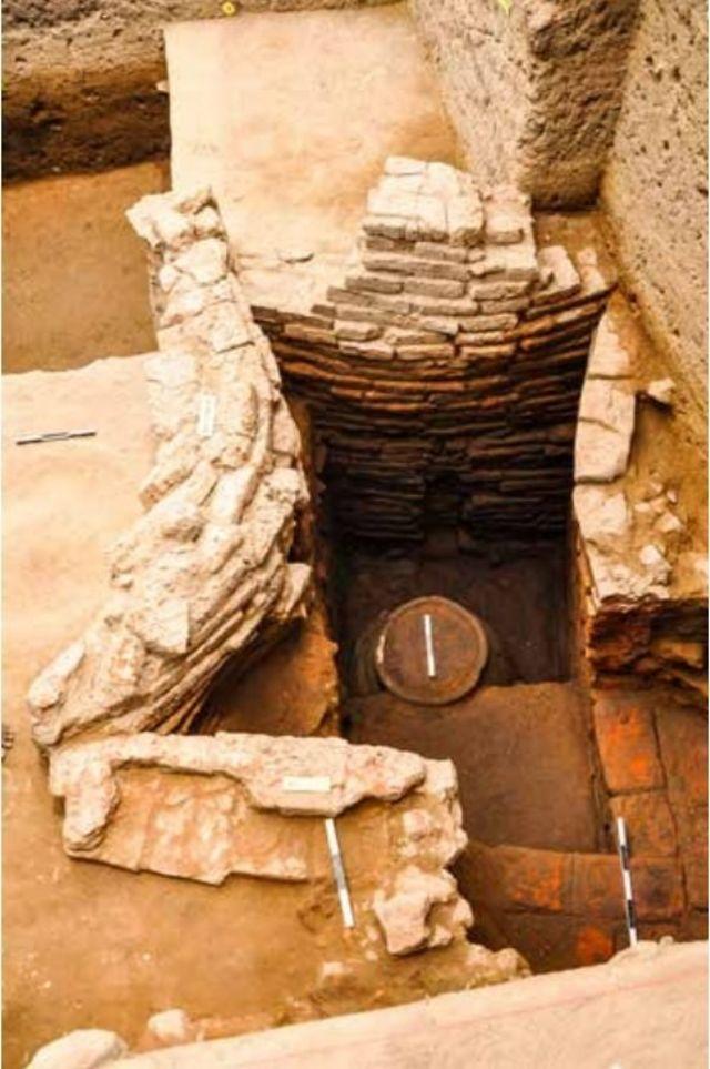 கொற்கையில் கிடைத்த இந்தச் செங்கல் கட்டுமானம் 29 அடுக்குகளுடன் 2.35 மீட்டர் உயரத்தைக் கொண்டுள்ளது.
