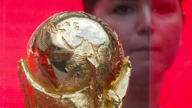 El trofeo de la Copa del Mundo de fútbol