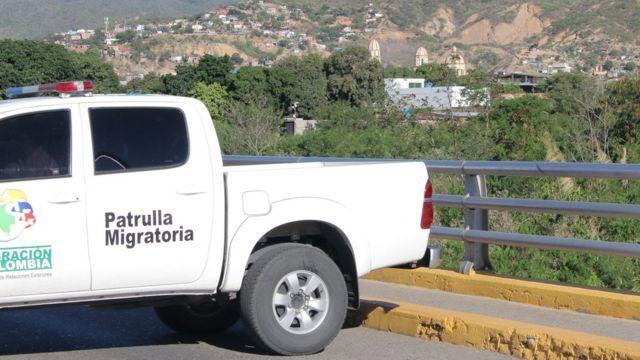 Camioneta de patrulla migratoria
