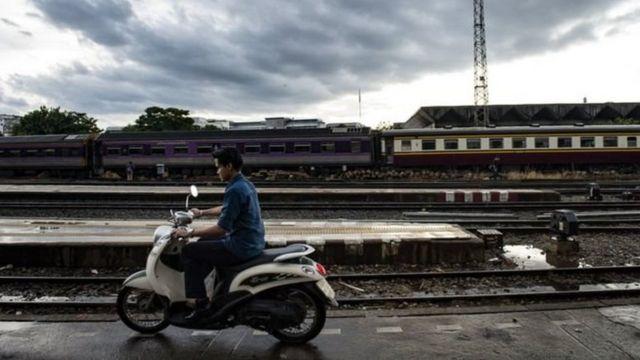 Jirgin kasa ya kade mai daukar hoton selfie har lahira a Thailand