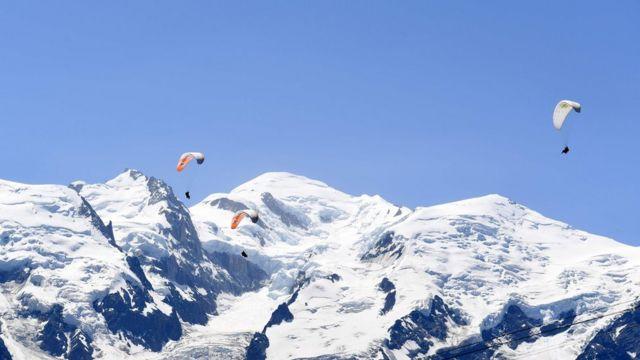 مون بلان، بلندترین کوه از رشته کوههای آلپ است.