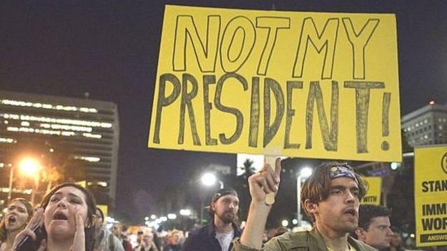 नवनिर्वाचित राष्ट्रपति डोनल्ड ट्रंप के ख़िलाफ़ विरोध प्रदर्शन