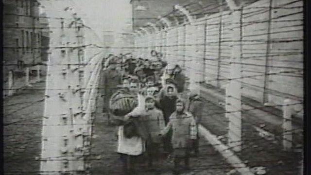 Judeus em campo de concentração não identificado