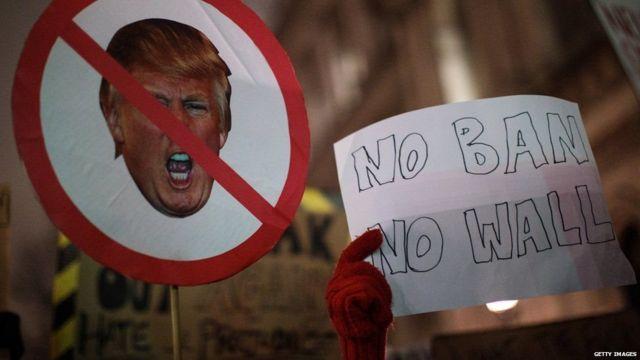 ڈونلڈ ٹرمپ کی جانب سے سفری پابندی کے خلاف احتجاج