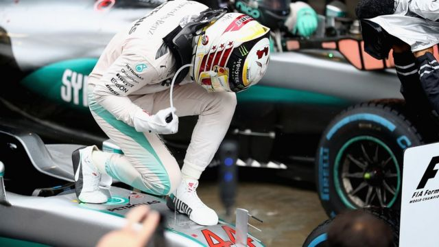 Kemenangan pertama Lewis Hamilton di GP Interlagos, Brasil -kemenangan yang sangat dibutuhkannya.