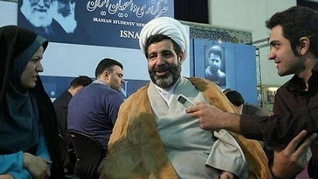 آقای منصوری به اتهام دریافت پانصد هزار یورو رشوه تحت تعقیب بود