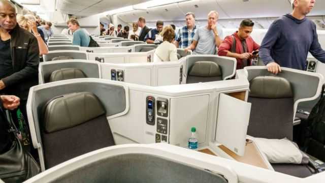 6 WAYS TO HELP YOU SURVIVE THE BUSY AIR TRAVEL SEASON