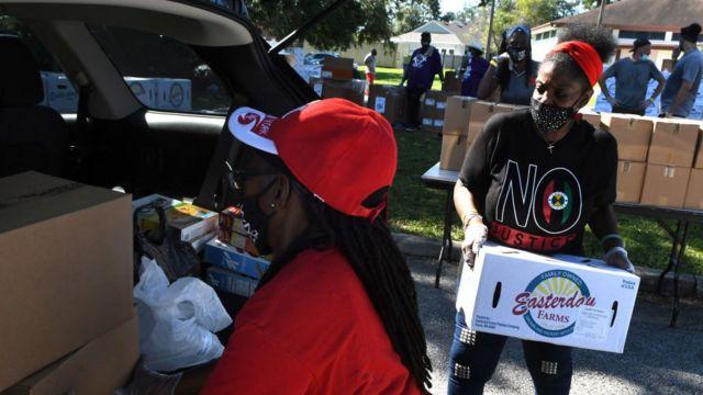 Florida'da gıda yardım merkezi.