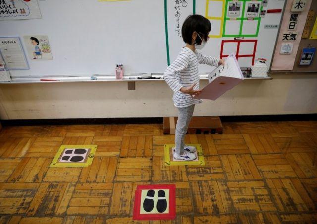 Escolas voltarão com mudanças após a pandemia para combater a doença