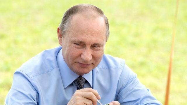 Владимир Путин и йогурт
