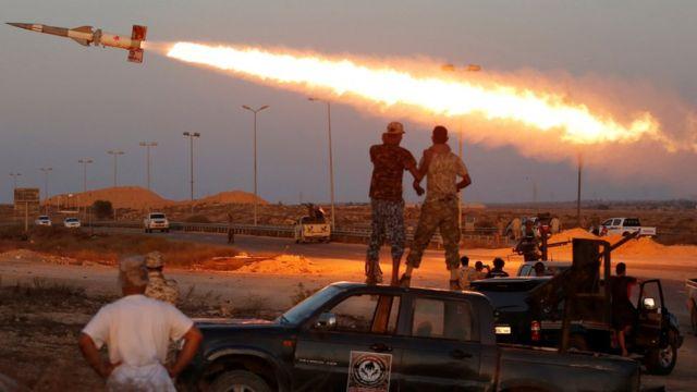 オバマ大統領はリビアでの空爆を承認した