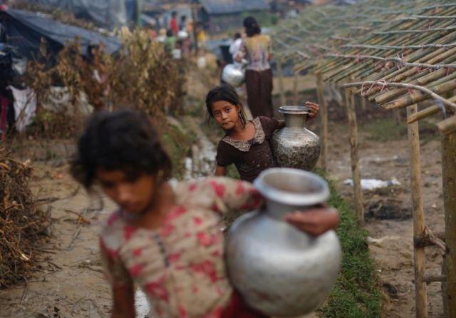 ရိုဟင်ဂျာ ရခိုင် ဘင်္ဂလားဒေ့ရှ်