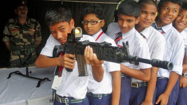 India, anak laki-laki