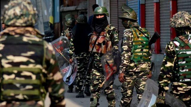 कश्मीरमा सुरक्षाकर्मी