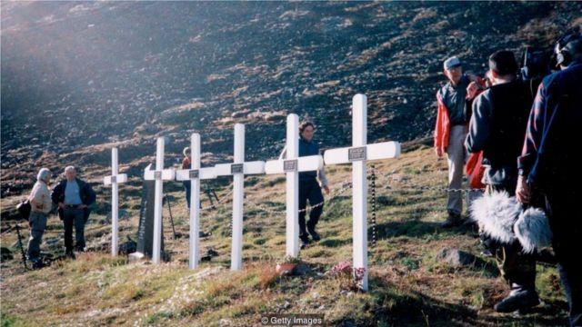 大流感甚至在一些最偏远的地区肆虐——这些十字架纪念碑是纪念客死于挪威一个偏远定居地的矿工。